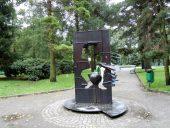 Парк королевы Луизы Памятник барону Мюнхаузену