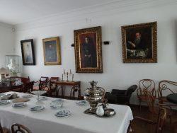 Столовая в доме Толстых