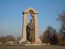 Памятник поэту Антанасу Баранаускасу