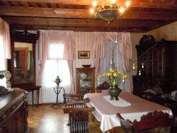 Мебель сделана Пушкиными на заказ