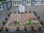 Могила семьи Пушкиных