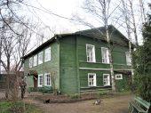 Во дворе дома Достоевского