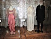 Выставка одежды графов