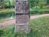 Памятный знак художнику Залькулну